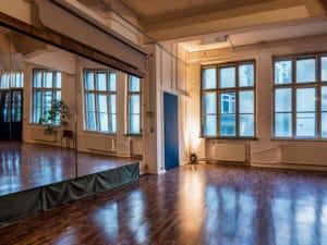 Tanzspiegel im 140m² Workshopraum Etage Leipzig